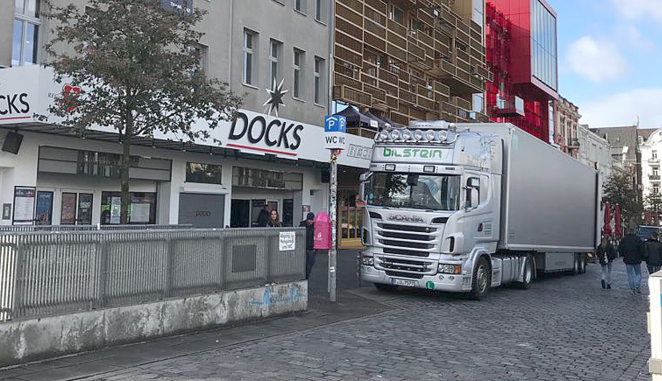 Mit den Lochis in den Hamburger Docks